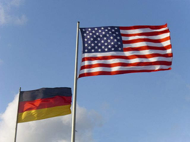 640px-Flags_USA_and_Germany